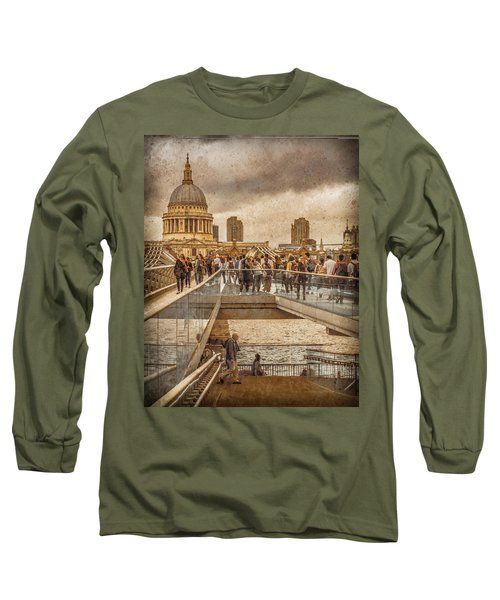 London, England - Millennium Bridge II Long Sleeve T-Shirt