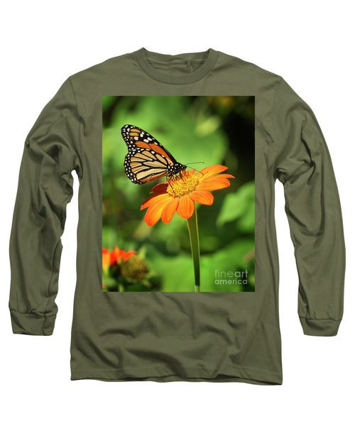 Monarch Butterfly II Vertical Long Sleeve T-Shirt