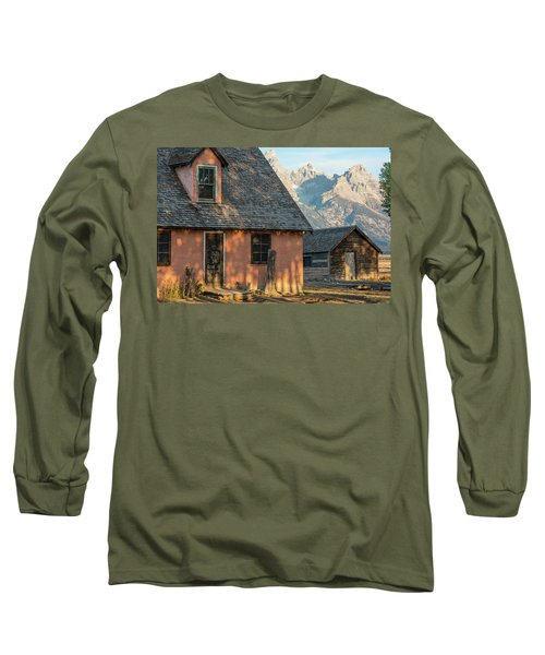 Long Sleeve T-Shirt featuring the photograph Moulton Homestead - Pink House At Morning Light by Colleen Coccia