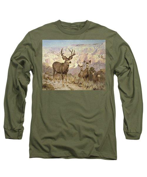 Mule Deer In The Badlands, Dawson County, Montana Long Sleeve T-Shirt