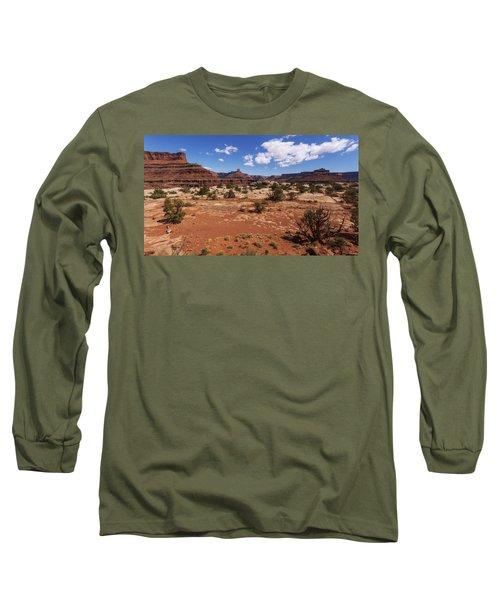 Near Goose Neck Long Sleeve T-Shirt