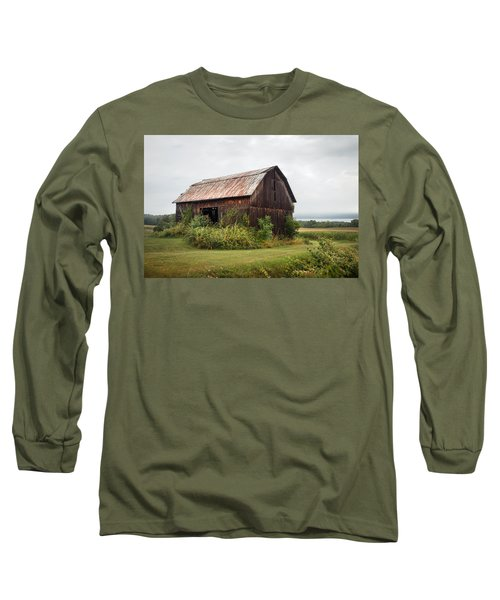 Long Sleeve T-Shirt featuring the photograph Old Barn On Seneca Lake - Finger Lakes - New York State by Gary Heller