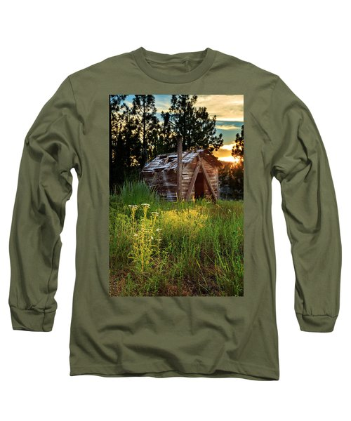 Old Cabin At Sunset Long Sleeve T-Shirt