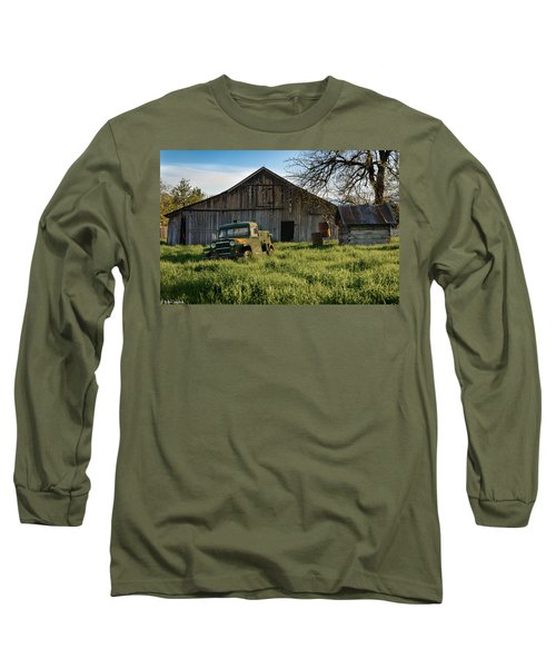 Old Jeep, Old Barn Long Sleeve T-Shirt
