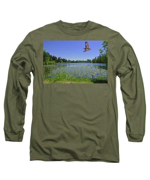 Osprey Fishing At Wapato Lake Long Sleeve T-Shirt