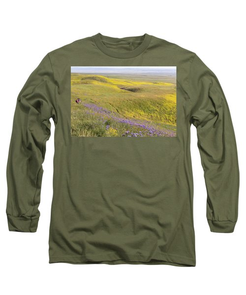 Long Sleeve T-Shirt featuring the photograph Photographing Carrizo by Marc Crumpler