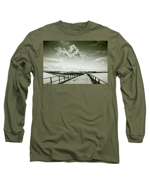 Pier-shaped Long Sleeve T-Shirt