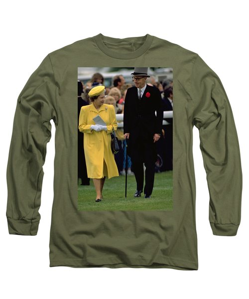 Queen Elizabeth Inspects The Horses Long Sleeve T-Shirt