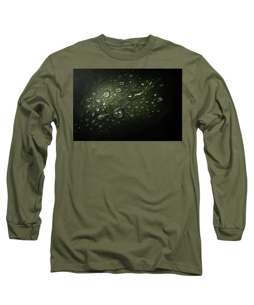 Rain Drops On Leaf Long Sleeve T-Shirt
