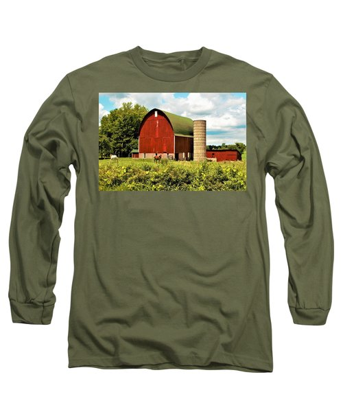 0040 - Red Barn And Horses Long Sleeve T-Shirt