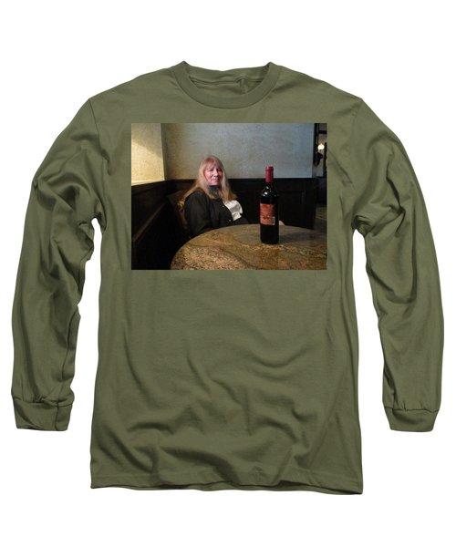 Robin At The Cafe Long Sleeve T-Shirt