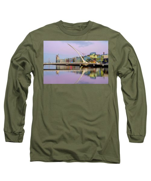 Samuel Beckett Bridge At Dusk Long Sleeve T-Shirt