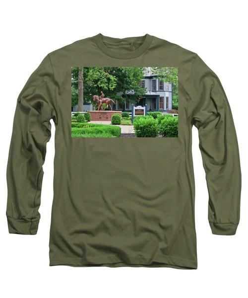 Secretariat Statue At The Kentucky Horse Park Long Sleeve T-Shirt