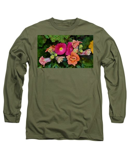 Spring Show 15 Snapdragons And English Daisy Long Sleeve T-Shirt