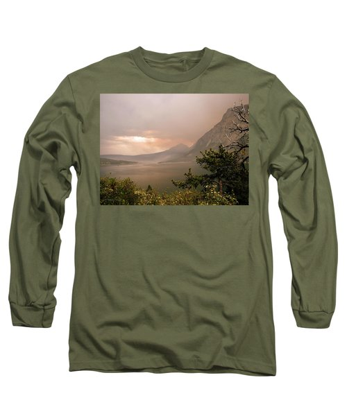 St Mary Lake In The Smoke Long Sleeve T-Shirt