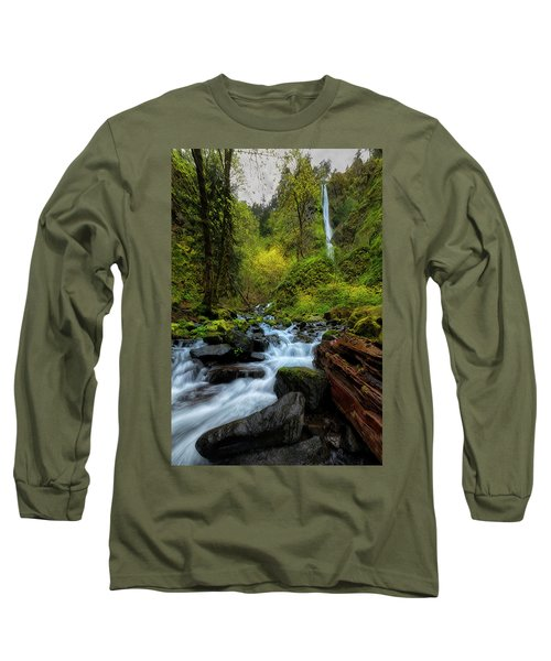 Long Sleeve T-Shirt featuring the photograph Starvation Creek And Falls by Ryan Manuel