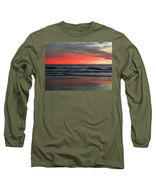 Long Sleeve T-Shirt featuring the photograph State Of Mind by Everette McMahan jr