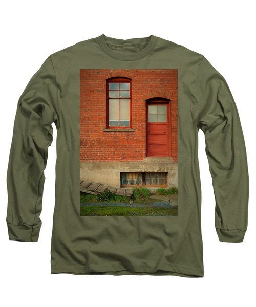 Stores Building Long Sleeve T-Shirt