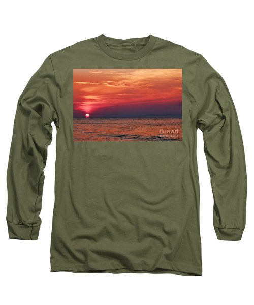 Sunrise Over The Horizon On Myrtle Beach Long Sleeve T-Shirt
