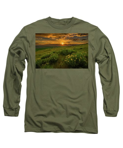 Sunset At Steptoe Butte Long Sleeve T-Shirt