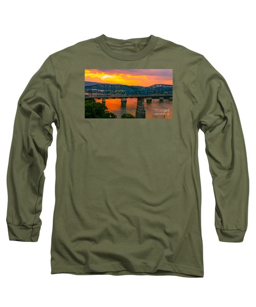 Long Sleeve T-Shirt featuring the photograph Sunset In Chattanooga by Geraldine DeBoer