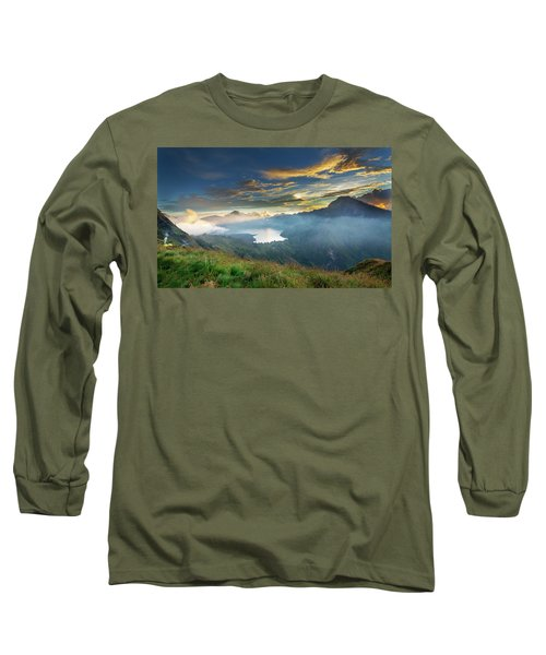Sunset View From Mt Rinjani Crater Long Sleeve T-Shirt