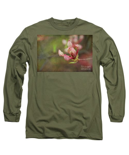 The Pink Claw, Textured - Georgia Long Sleeve T-Shirt