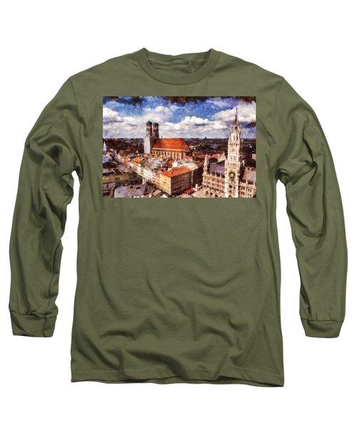 Town Hall. Munich Long Sleeve T-Shirt