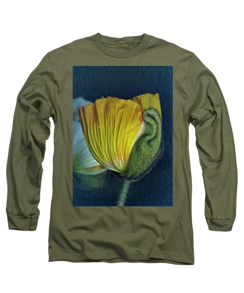 Long Sleeve T-Shirt featuring the photograph Vintage Poppy 2017 No. 1 by Richard Cummings
