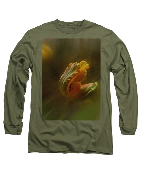 Vintage Tulip March 2017 Long Sleeve T-Shirt by Richard Cummings