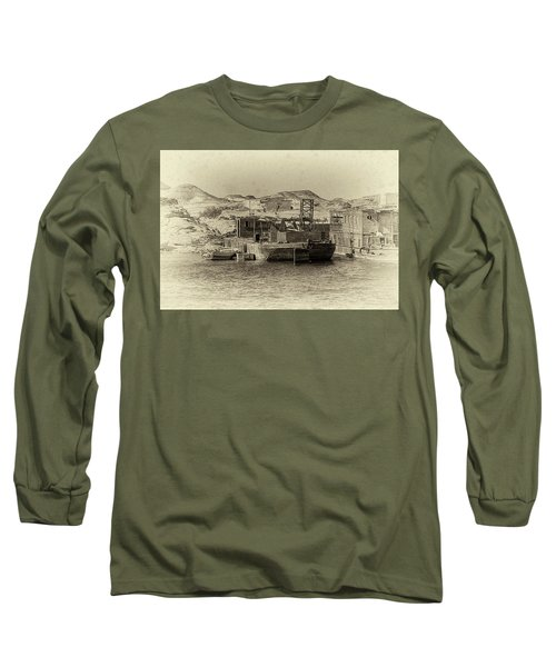 Wadi Al-sebua Antiqued Long Sleeve T-Shirt