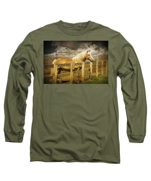 Western Horse In Alberta Canada Long Sleeve T-Shirt