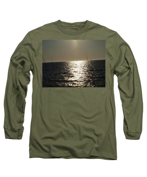 Long Sleeve T-Shirt featuring the photograph Who Framed Roger Rabbit by Robert Margetts
