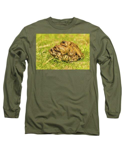 American Toad Western Brooke Pond, Grose M Long Sleeve T-Shirt