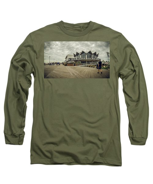 Asbury Park Boardwalk Looking South Long Sleeve T-Shirt