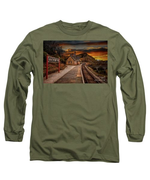 Berwyn Railway Station Sunset Long Sleeve T-Shirt