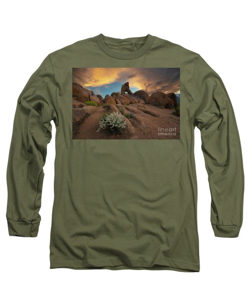 Boot Arch Hike  Long Sleeve T-Shirt