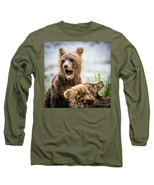 Grizzly Cubs Looking For Their Mum Long Sleeve T-Shirt