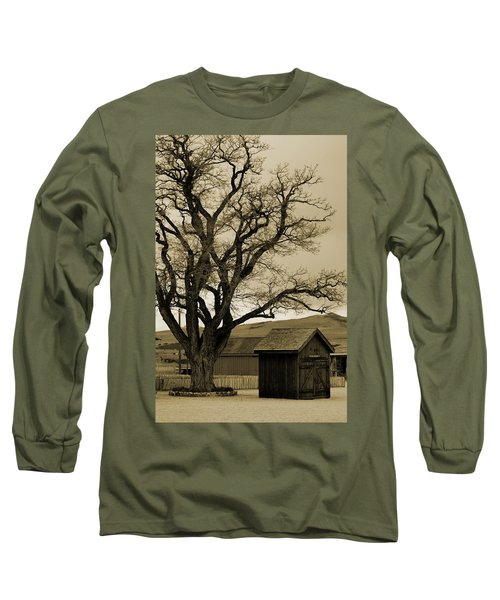 Old Shanty In Sepia Long Sleeve T-Shirt