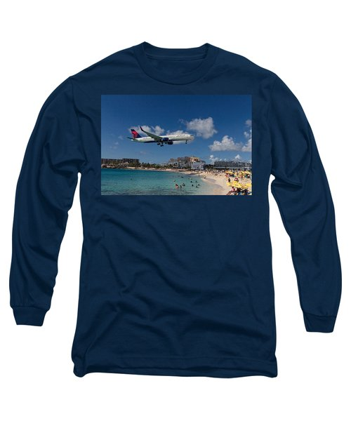 Delta Air Lines Landing At St Maarten Long Sleeve T-Shirt