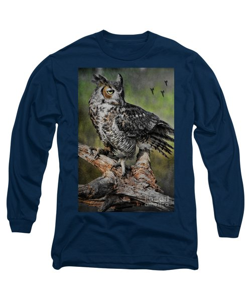 Great Horned Owl On Branch Long Sleeve T-Shirt