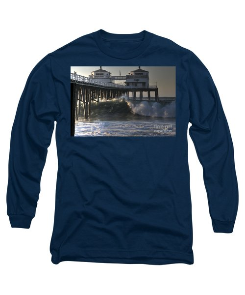 Large Wave At Malibu Pier Long Sleeve T-Shirt