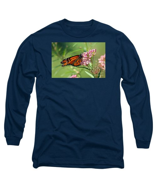 Monarch Butterfly On Milkweed Long Sleeve T-Shirt