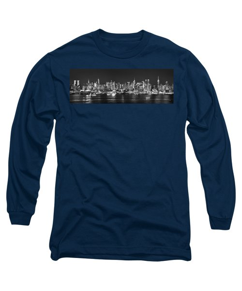 New York City Nyc Skyline Midtown Manhattan At Night Black And White Long Sleeve T-Shirt
