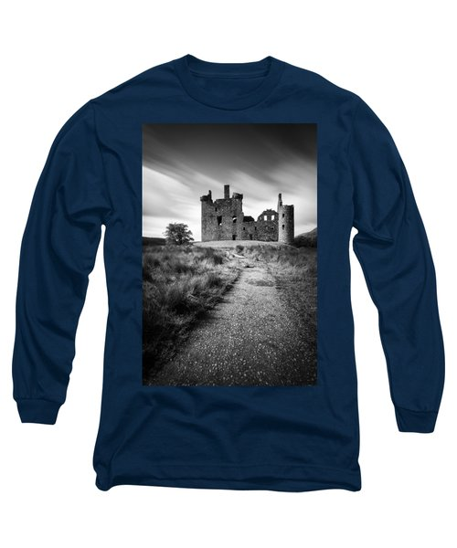 Path To Kilchurn Castle Long Sleeve T-Shirt