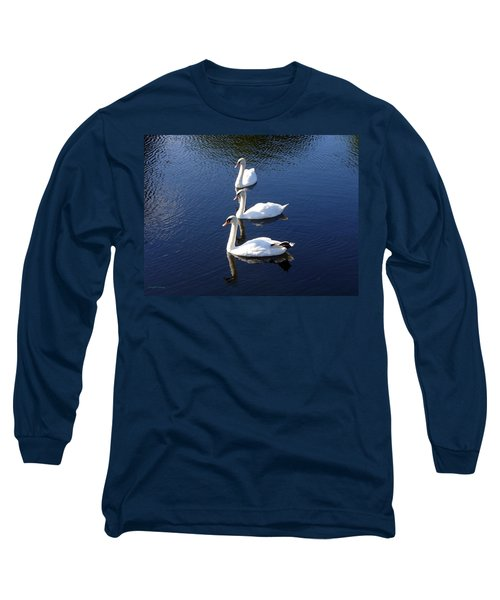 Long Sleeve T-Shirt featuring the photograph Perfect Family Gathering by Lingfai Leung