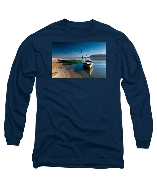 Long Sleeve T-Shirt featuring the photograph Waiting by Edgar Laureano