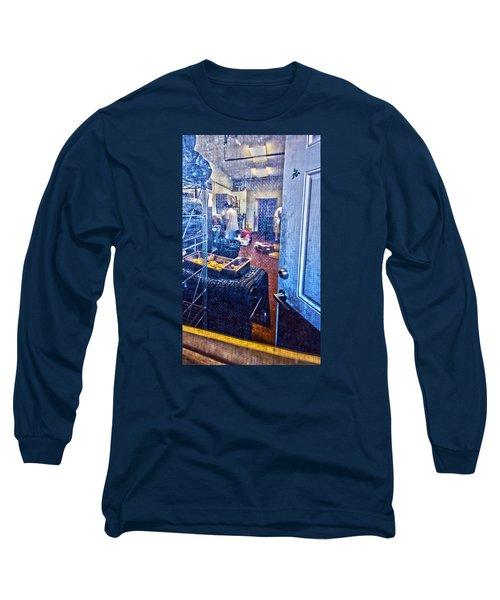 Alley Screen Door Long Sleeve T-Shirt