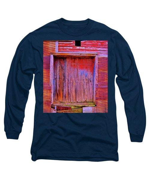 Berryville Shed Long Sleeve T-Shirt by Glenn Gemmell