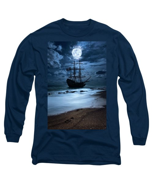 Black Pearl Pirate Ship Landing Under Full Moon Long Sleeve T-Shirt